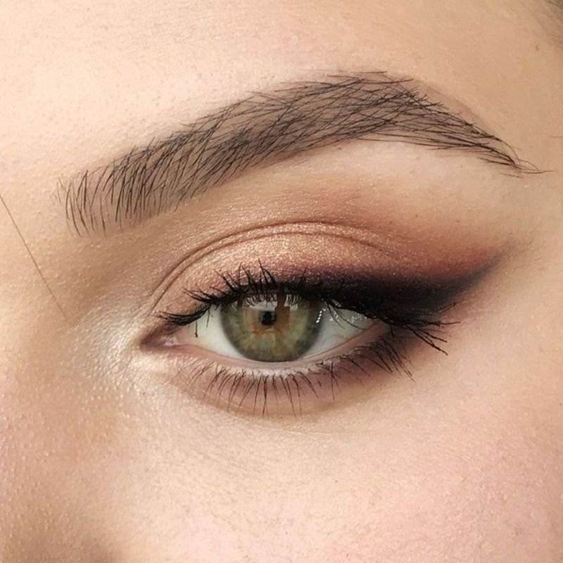 Adorn your eyes with unapologetic winged eye flicks
