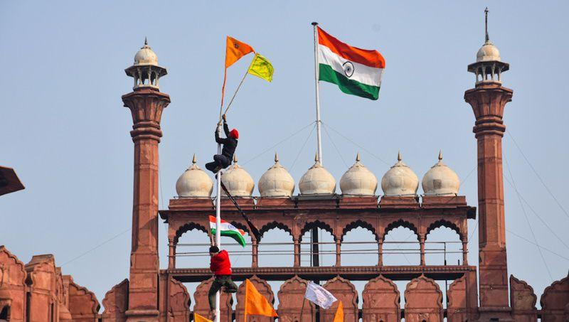 Some of these farmers hoisted both the Indian national flag and the Khalistani flag
